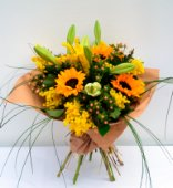 bouquet con girasoli e mix