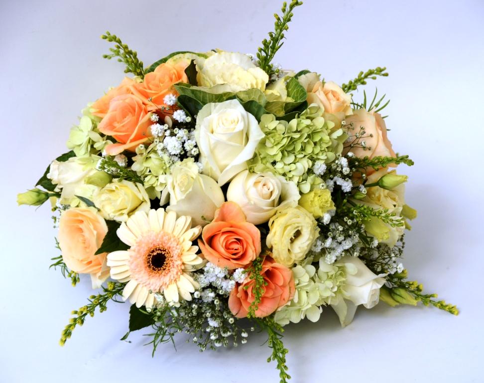 Centrotavola crema e salmone fiori de berto consegna for Catalogo piante e fiori